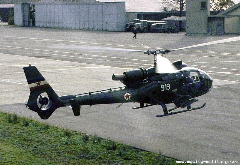 SA-341 (HO-42) Gazelle 111781_58463446_800px-Soko_GAzelle