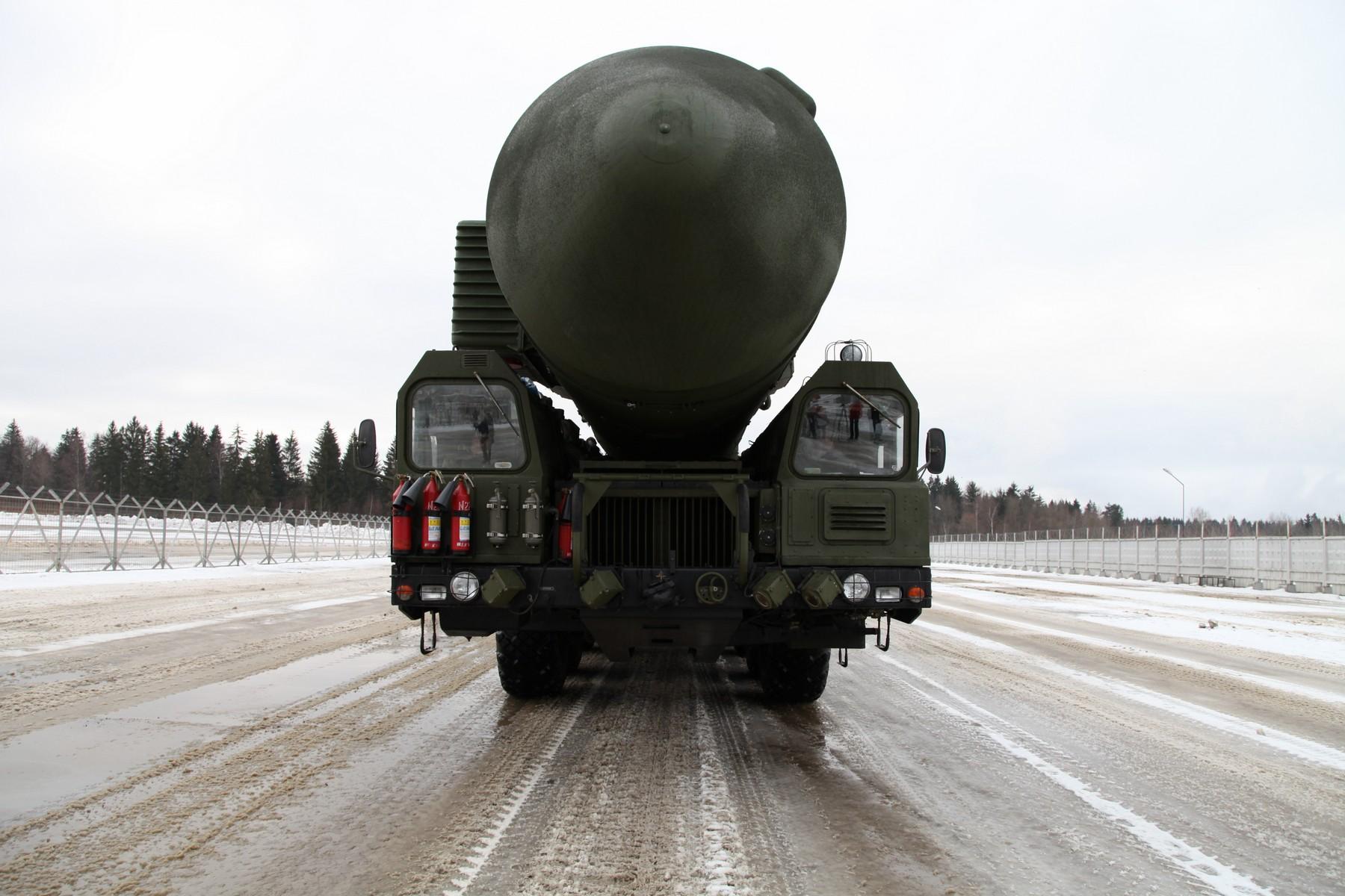 Ruski strategiski nuklearni potencijal - Page 3 143473_133260815_01Topol-M-02