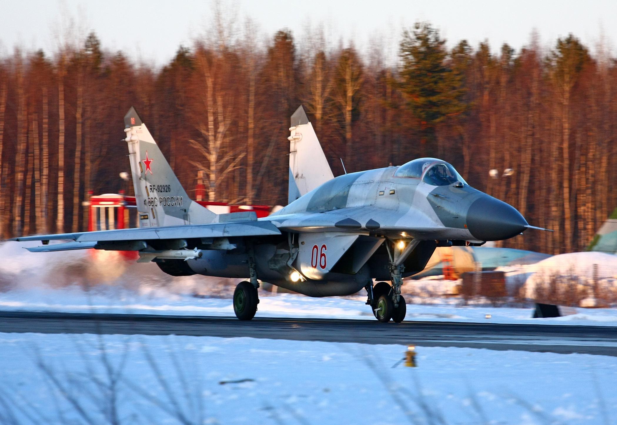 МиГ-29 и неговите варијанти 143473_47048996_01-01-01LADOGA2013-9