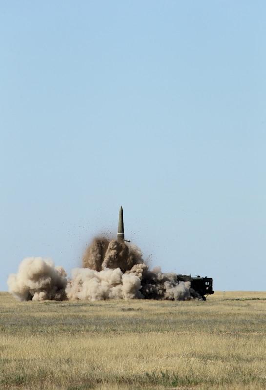 Ruski strategiski nuklearni potencijal - Page 2 160207_101709315_kapustinyearcentre2011-16