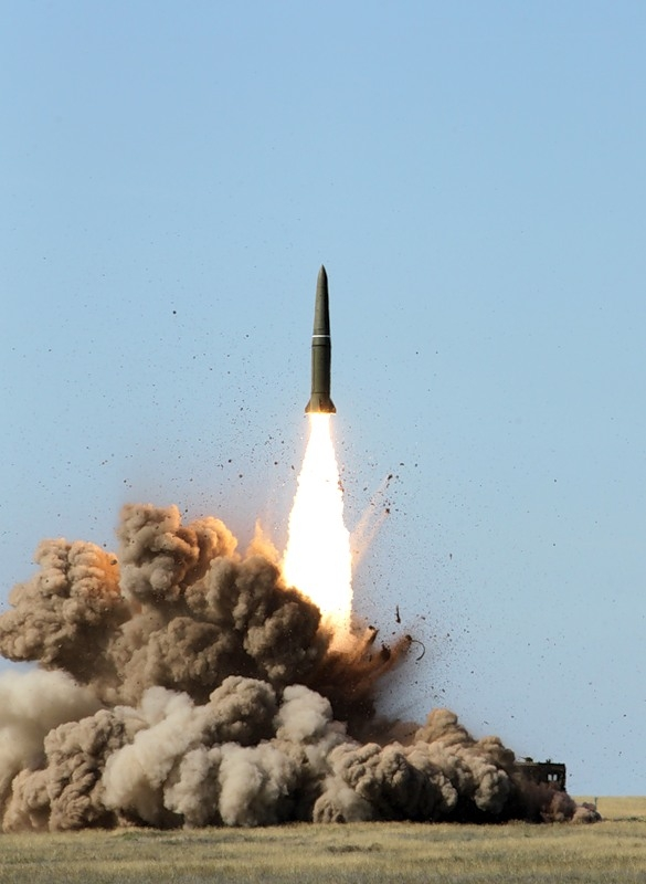 Ruski strategiski nuklearni potencijal - Page 2 160207_88148079_kapustinyearcentre2011-18