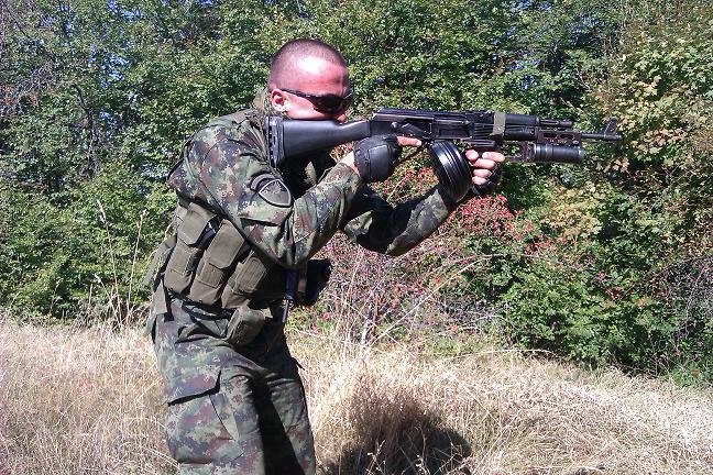Застава оружје - производи (М70, М72, М77, М92, М21, CZ99, M57...)  - Page 3 166044_53294643_Serbian_Special_Forces_72SB