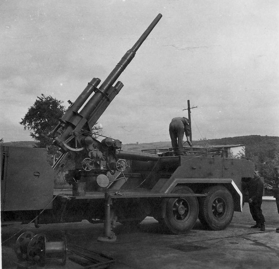 """Nora"" izvozni adut srpske vojne industrije - Page 2 168012_442869969_vomag-flak-88-before"