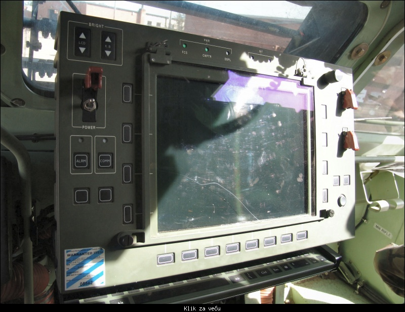 """""""Nora"""" izvozni adut srpske vojne industrije - Page 2 126379_tmb_48534695_m270a1_cabin_firecontrol"""