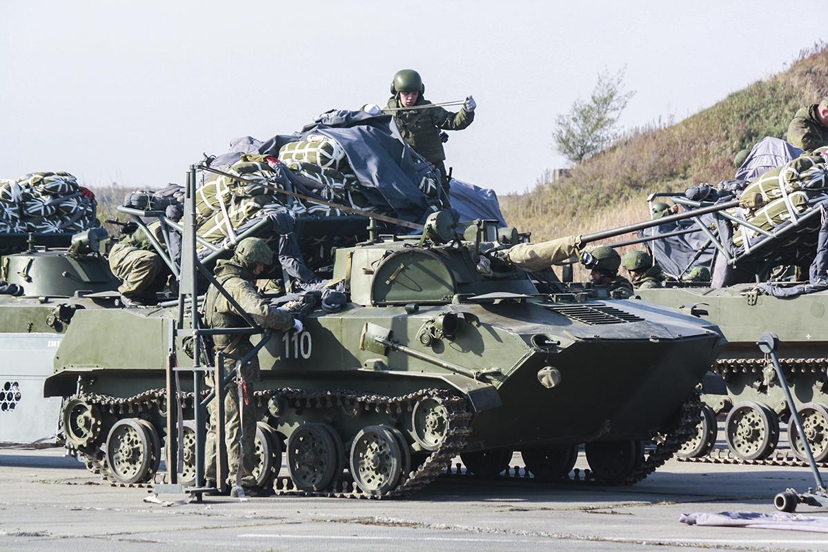 ролику фотографии боевой техники десанта рф частности